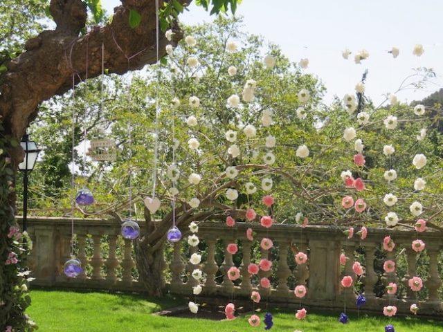 Flores colgando bodas
