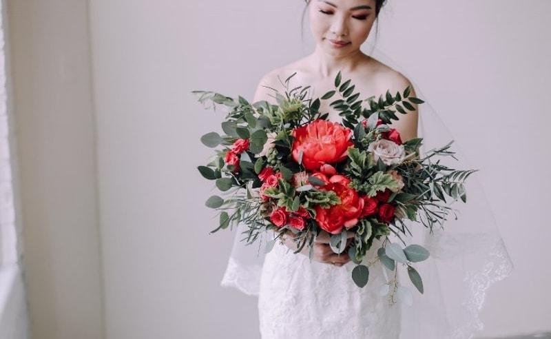 Ramo de novia color coral