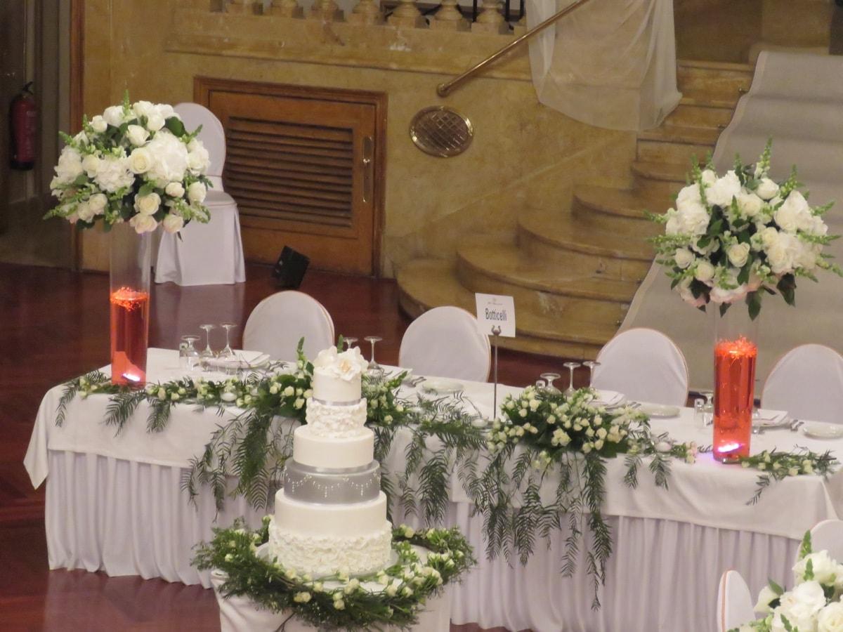 Arreglos florales y centros de mesa para una boda de lujo for Arreglos para boda civil