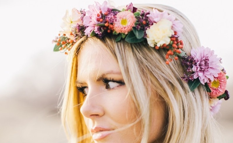 Corona flores hippie