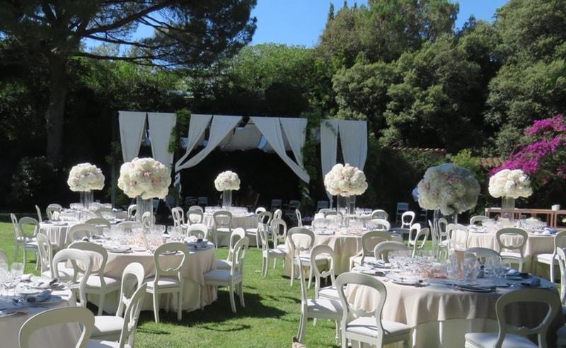 Decoración floral con hortensias para una boda