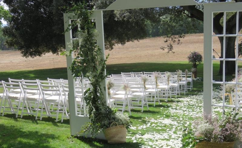 Decoración boda puertas rústicas